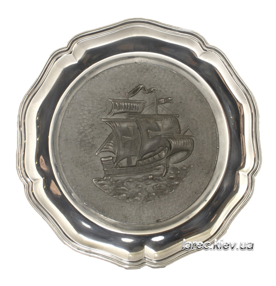 Подарок Винтажная тарелка из олова Парусник