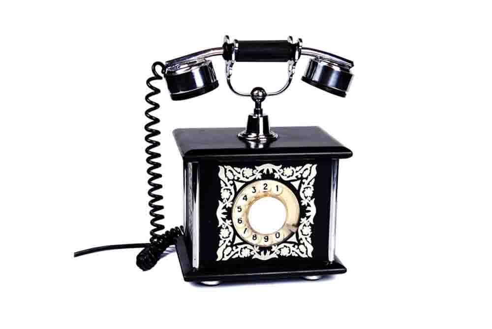Фото категории старинные фотоаппараты телефоны и радиоприёмники