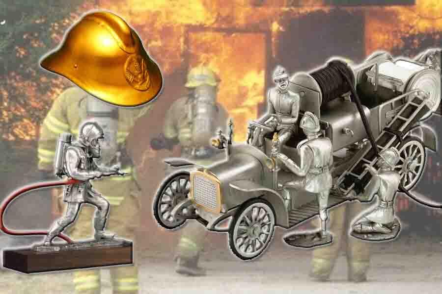 Фото категории Оловянные статуэтки МЧС и пожарные